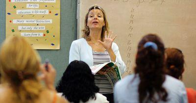 Lehrerin gibt ihren Schülern geniale Tipps für Klassenfahrt!