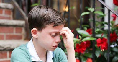 Dieser verzweifelte Junge sah keinen Ausweg...