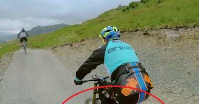 Im ersten Moment sieht es so aus, als würde hier ein ganz normaler Mountainbiker fahren