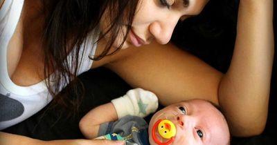 Mutter sucht Vater ihres Babys - doch findet etwas anderes