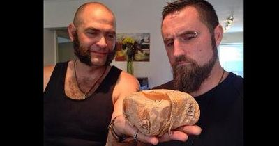 Australier bewahren Burger 20 Jahre lang auf und sind schockiert!