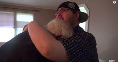 Sohn macht seinem Vater eine unglaubliche Überraschung