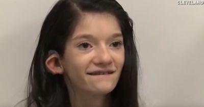 14-jähriges Mädchen hört zum allerersten Mal in ihrem Leben. Ihre Reaktion ist total umwerfend!