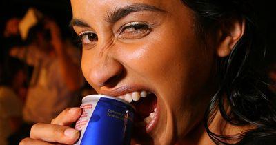 Frau trinkt 28 Dosen Red Bull am Tag!