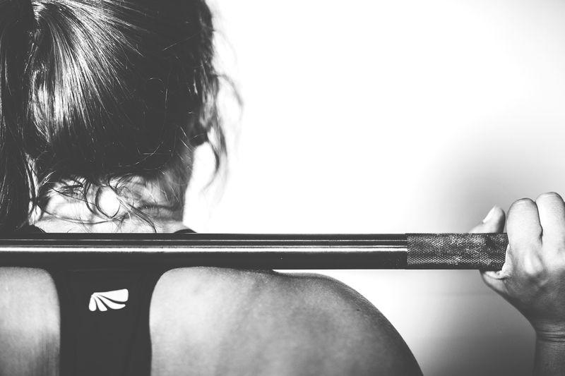 Warum Mädchen ohne Höschen zum Sport gehen