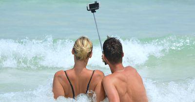 Selfies sind tödlicher als Haie! Wenn du das schon nicht glaubst, dann lies erst einmal den Rest!