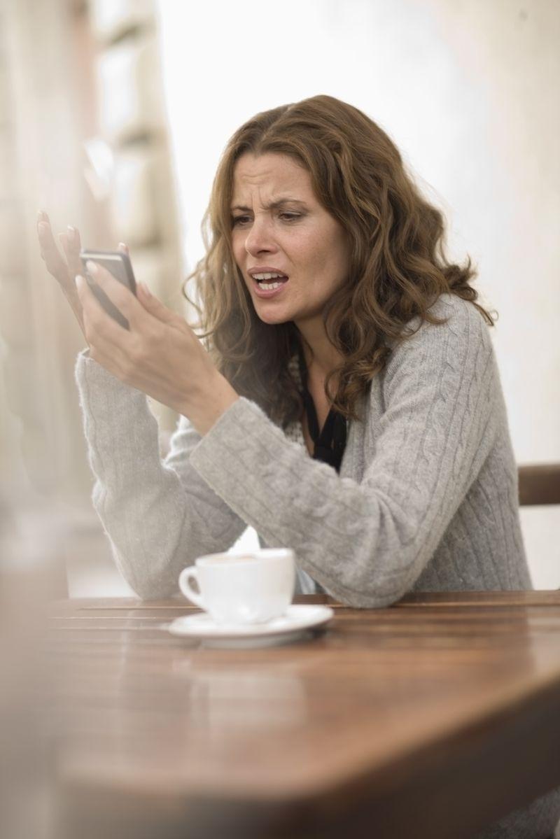 9 WhatsApp Nachrichten, die alle Frauen falsch verstehen