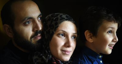 Einzigartiger Mut: Diese Frau nahm vier Flüchtlinge bei sich auf! Dann passierte es...