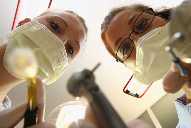Warum wir alle unsere Zähne falsch putzen