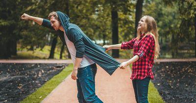 4 Wege um ein peinliches Date zu vermeiden.