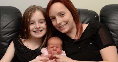 Nachdem sie ein Kind zur Welt gebracht hat, macht diese 11 Jährige etwas Ungewöhnliches!