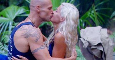 Ein Kuss im Dschungelcamp!