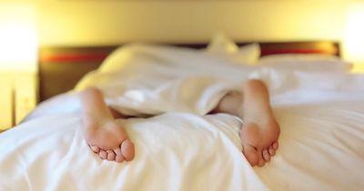 8 krasse Dinge, die mit uns im Schlaf passieren