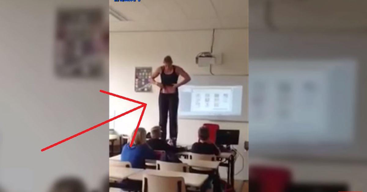 Lehrerin zieht sich nackt vor ihren Schülern aus! Ein