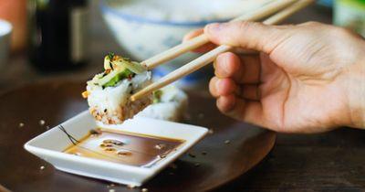 99 % haben Sushi bisher immer FALSCH gegessen!