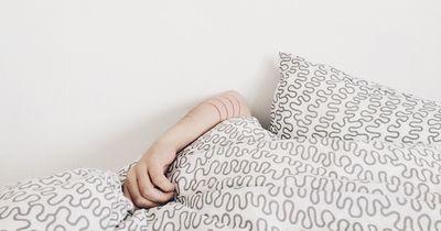 Snoozen bist der Arzt kommt? Mit diesen Tipps kommst du aus dem Bett!