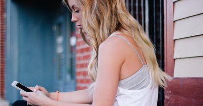 5 Gründe warum DU deine(n) Ex auf Facebook stalken solltest