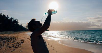 Das passiert, wenn du zu wenig Wasser trinkst