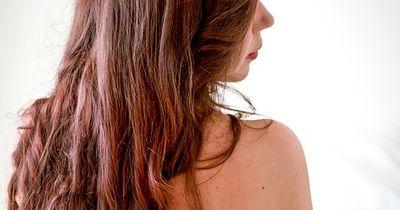 Mit diesen Tipps wachsen deine Haare schneller!