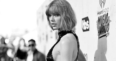Huch!? Taylor Swift plötzlich mit richtig PRALLEM PO!