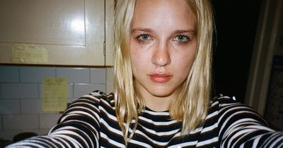 Sie machte jedes Mal ein Selfie, wenn ..... Und das drei Jahre lang.