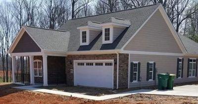 Ein Mann postet ein Foto von diesem Haus und die Leute sind total geschockt - du auch?