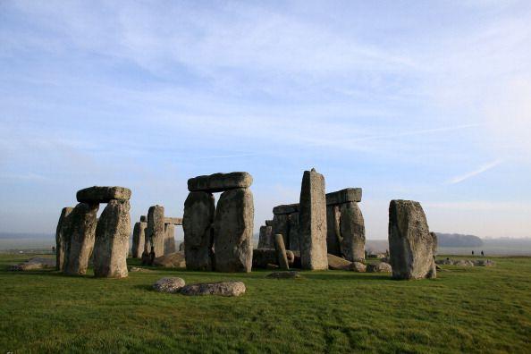 Ufo über Stonehenge?