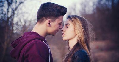 Darauf fahren Mädels beim Küssen ab