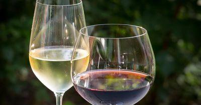 Kopfknoten: Weißwein und Rotwein
