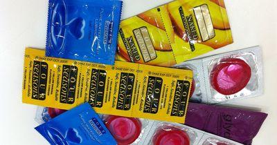 Darum werden in diesem Land 69 Millionen Kondome weggeworfen