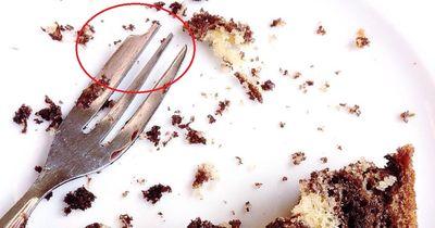 Warum fehlt der Kuchengabel eine Ecke?