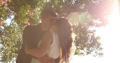 So bleibst du auch nach längerer Zeit für deinen Partner attraktiv!