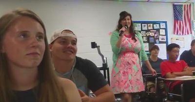 Was diese Lehrerin abzieht, ist das Peinlichste, was du je gesehen hast!