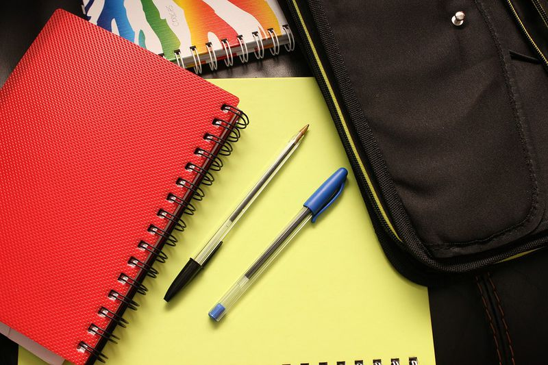 Deswegen haben fast alle Stifte Löcher: