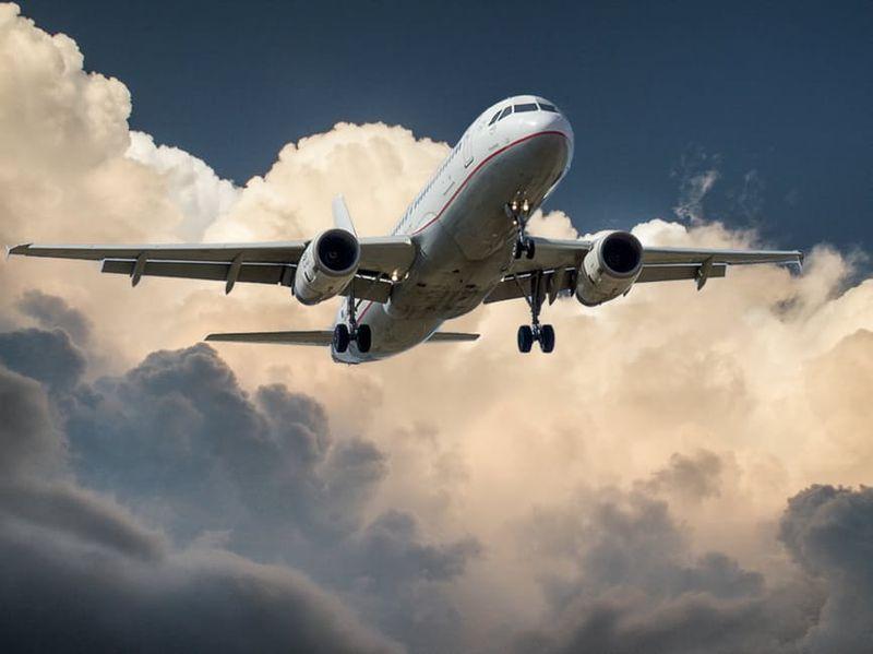 Darum sind Flugzeugfenster immer rund: