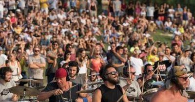 Gänsehaut: 1000 Musiker spielen zusammen Nirvana