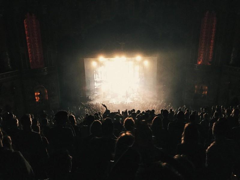 Auch viele Sänger füllen ganze Hallen, leben aber dennoch nicht in verschwenderischem Luxus.