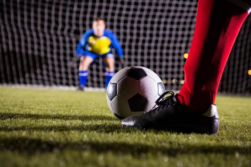 Bei einem Fußballspiel ist der Trainer sehr wichtig.